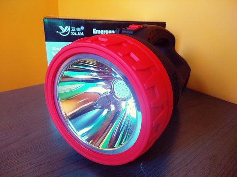 Фонарь прожектор Yajia YJ-2829 Большой ручной фонарь Есть ОПТ !!