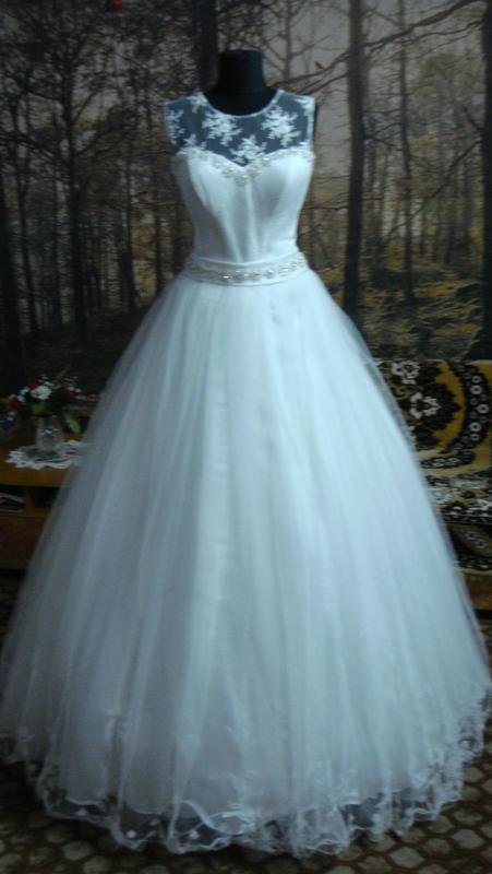 Свадебное платье  на высокую невесту.