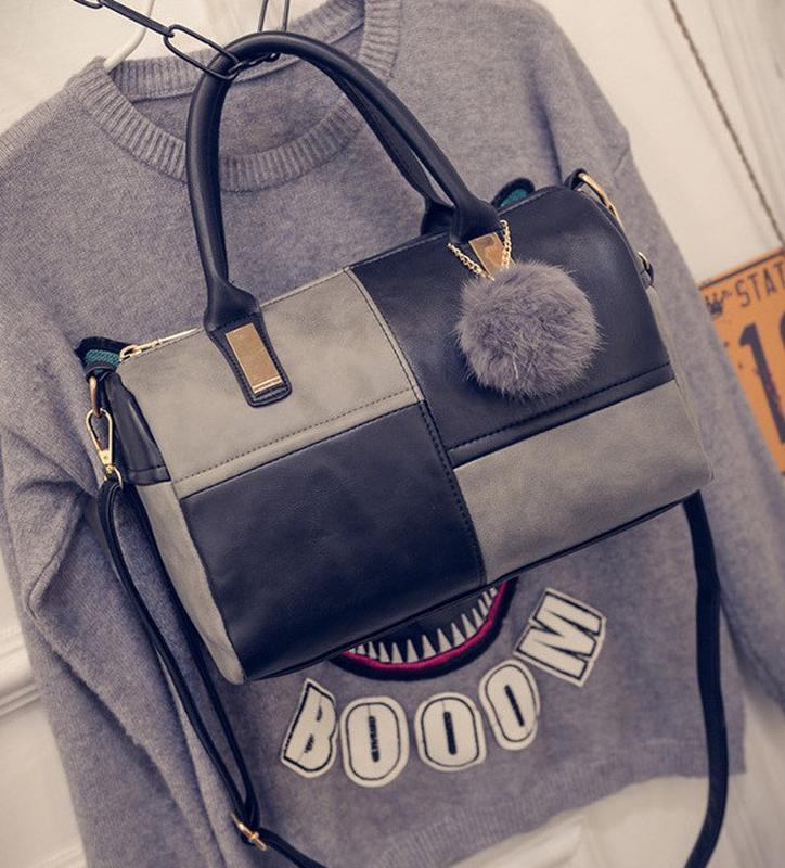 Модная женская сумка с меховым брелком - Фото 2