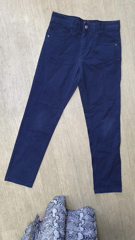 Синие джинсы denimco на мальчика 11-12 лет. рост 152 см.