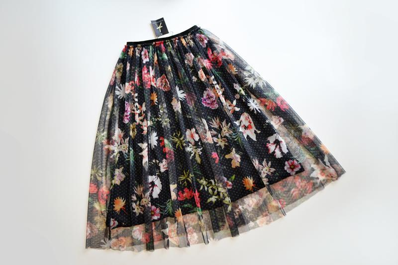 Красивая сетчатая пышная юбка миди в цветы