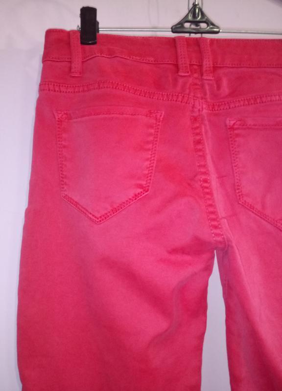 Розовые зауженные стрейчевый джинсы uk 8 / 36 / xs - Фото 4