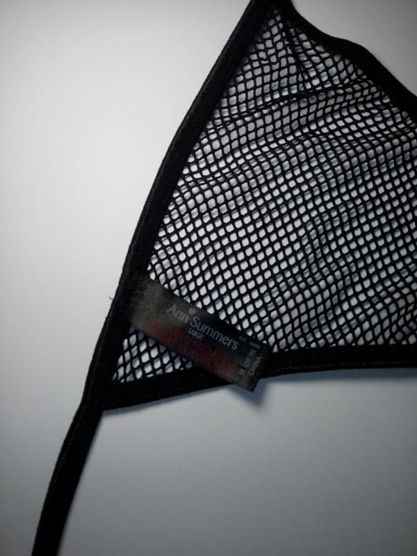 Черные стринги в сеточку ann summers uk 14-16 / 42-44 / l-xl - Фото 4
