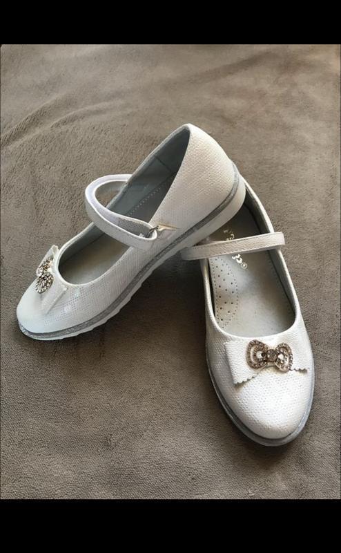 Шикарные туфельки, красиво переливаться на солнце