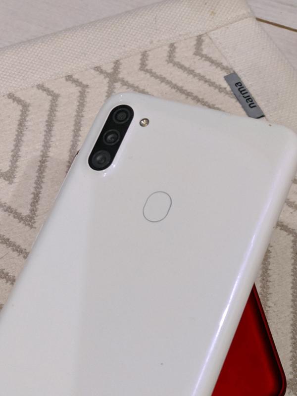 Смартфон Samsung A11, 2/32 белый - Фото 3