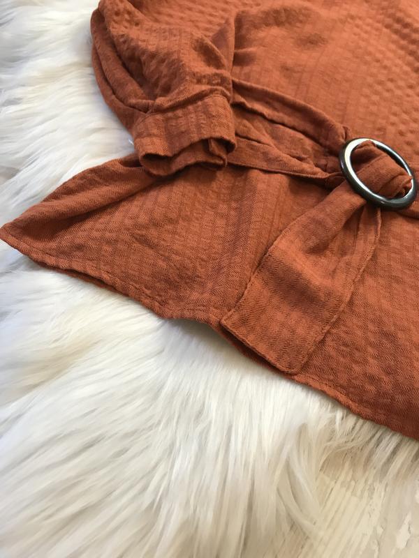 Блуза з поясом bershka - Фото 9