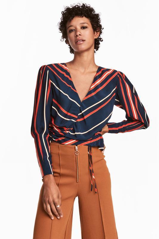 Блузка с треугольным вырезом h&m