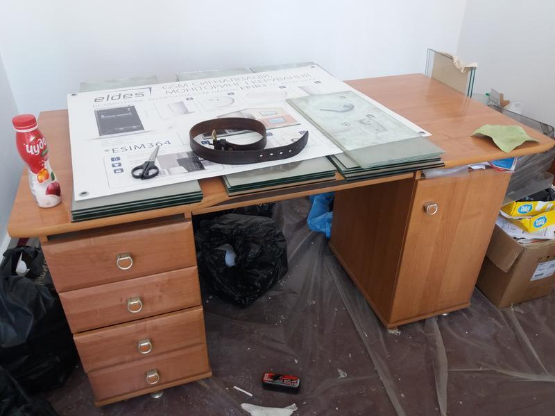 офисный и компьютерный столы б/у