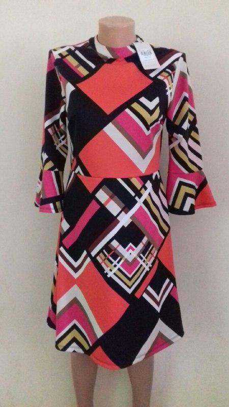 Новое платье в геометрический принт tu