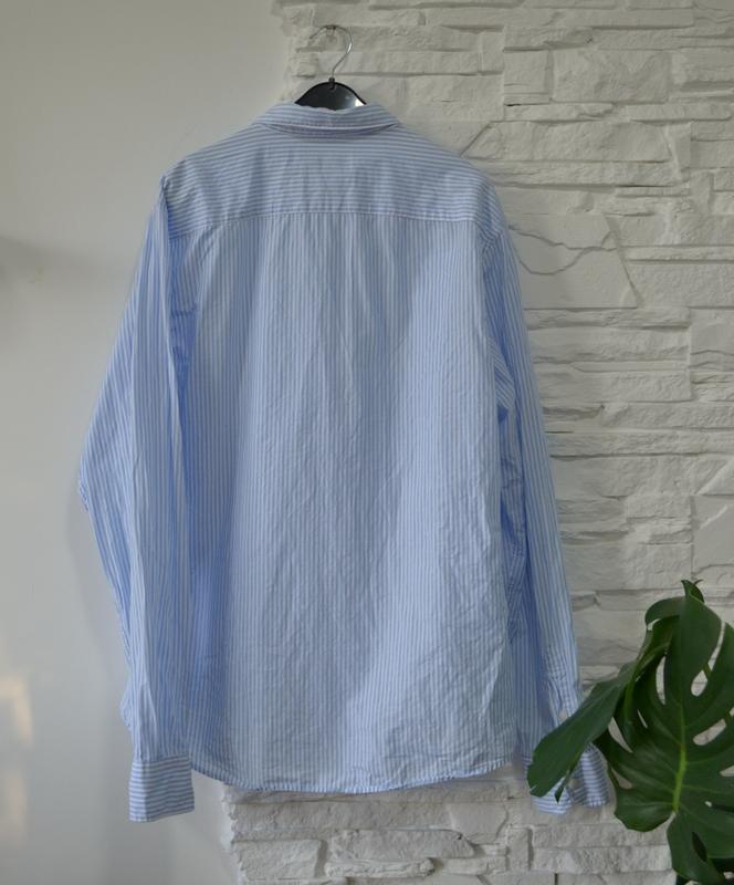 Классическая  коттоновая heбесно-голубая   рубашка в полосочку - Фото 3