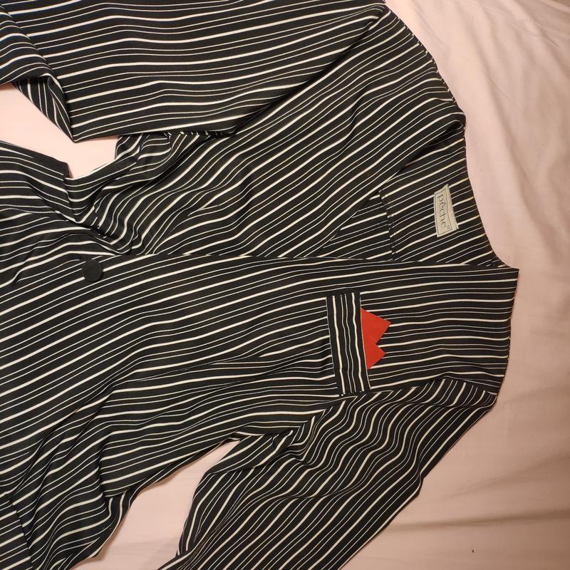 Тренд платье-пиджак в полоску жакет с карманами на пуговицах о... - Фото 6