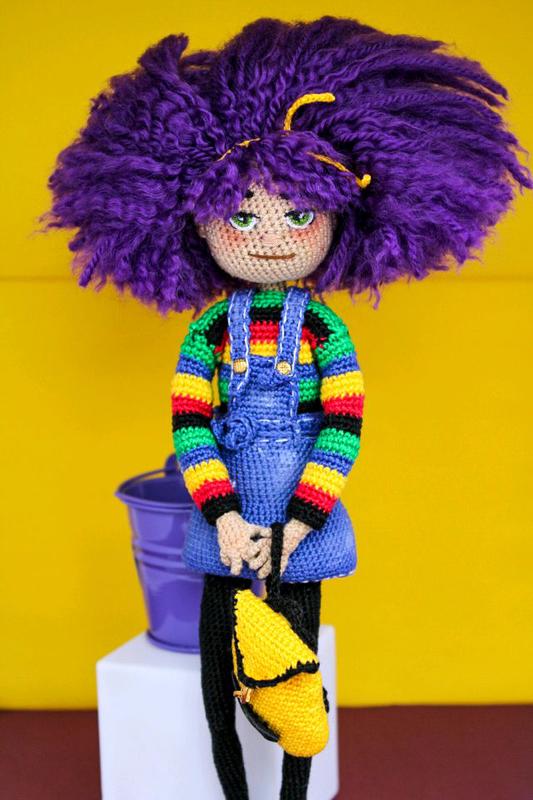 Кукла ручной работы вязаная
