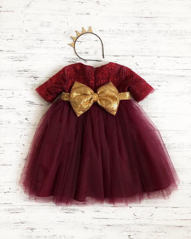 Кружевное платье пайетки