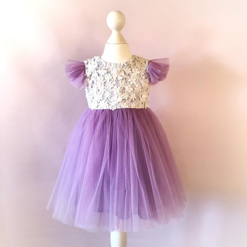 Фатиновое платье с 3d цветами