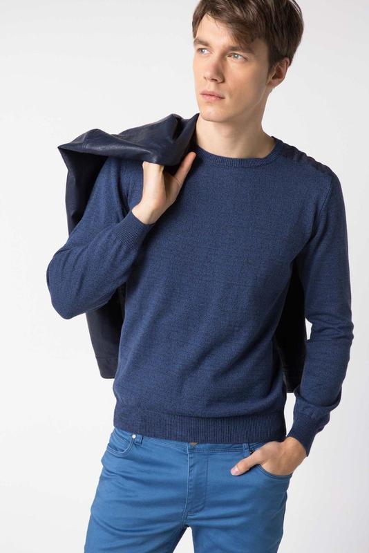 Синий мужской свитер de facto / де факто со стегаными вставкам...