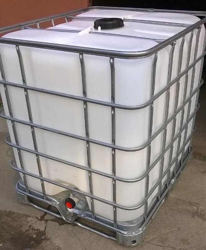 Еврокуб пластиковый 1000 литров на металлическом/пластиковом под.