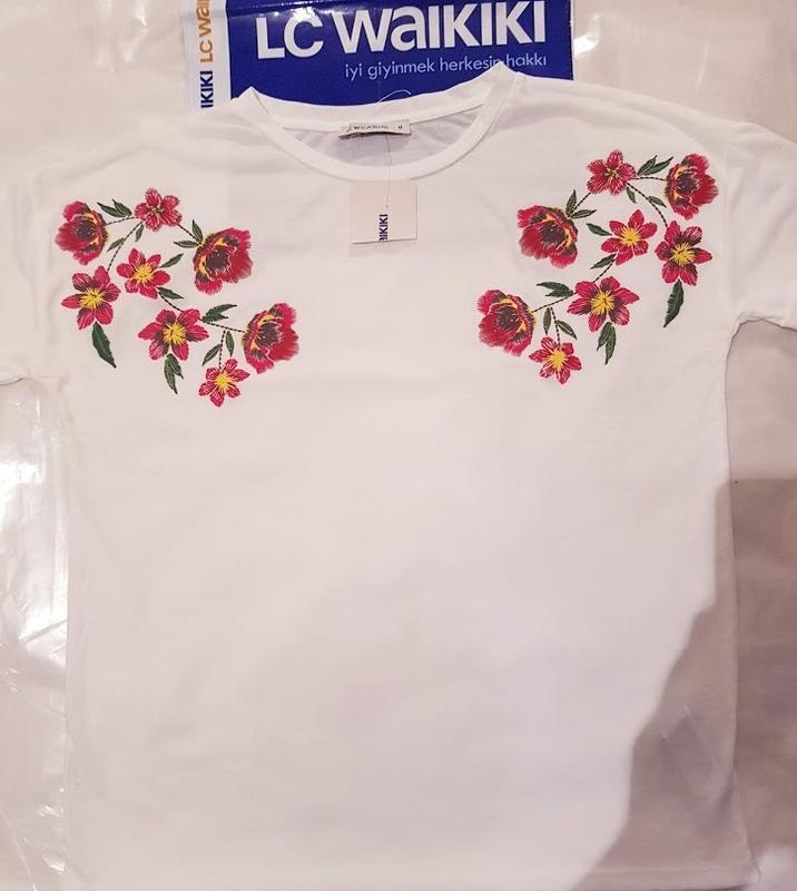 Белая женская футболка lc waikiki / лс вайкики с красными маками - Фото 2