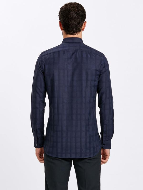 Темно-синяя мужская рубашка lc waikiki / лс вайкики в атласную... - Фото 3
