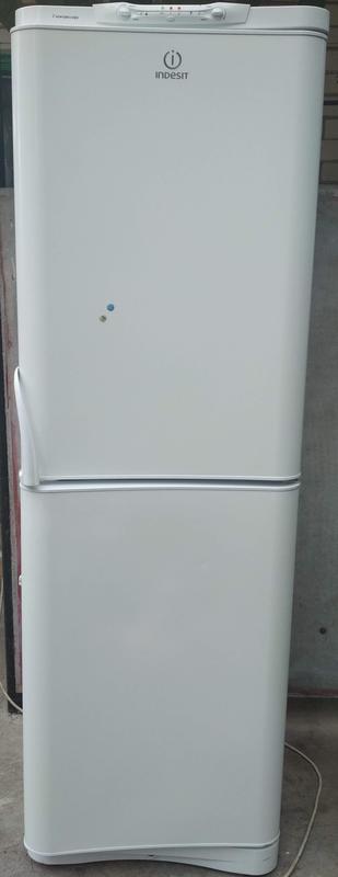Холодильник indesit c236g.021(2компрессора)