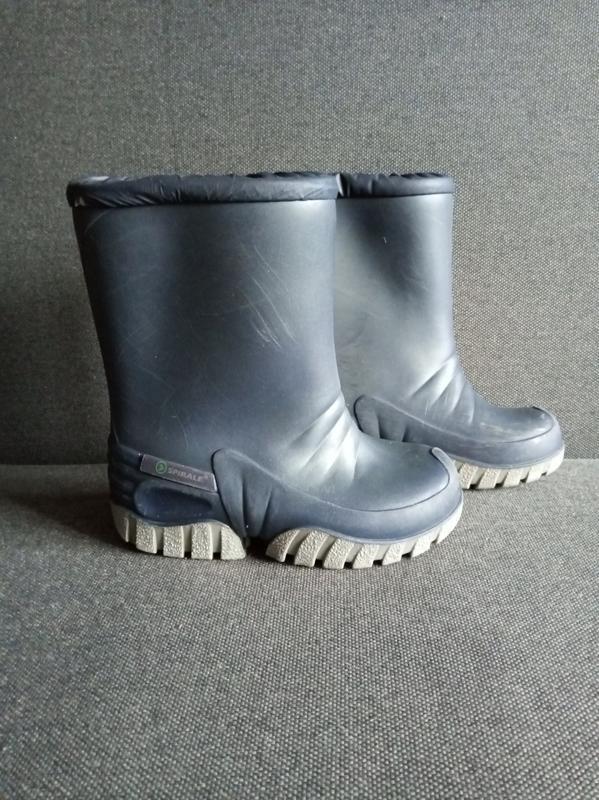 Утеплённые резиновые сапоги. резиновые сапожки. гумові чоботи