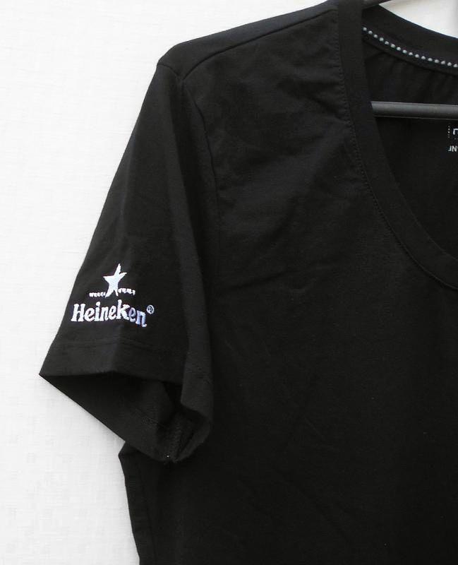Черная  хлопковая  футболка с надписью - Фото 2