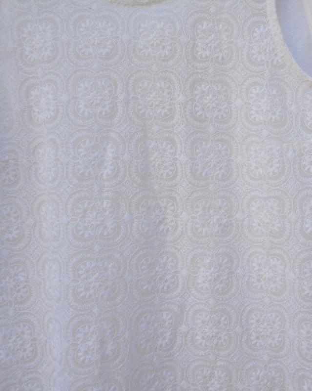 Белая  трикотажная  мяйка с кружевом - Фото 5