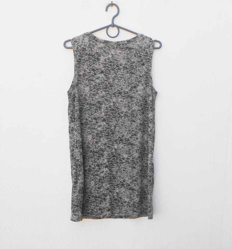 Летняя трикотажная удлиненная блузка - Фото 4