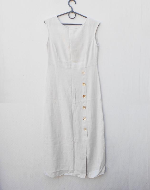 Летнее бежевое платье 55% из льна и 45% вискозы