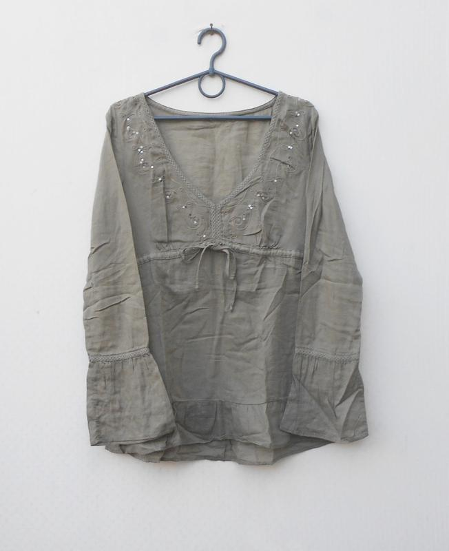 Легкая свободная блузка с вышивкой и пайетками с длиннным рукавом