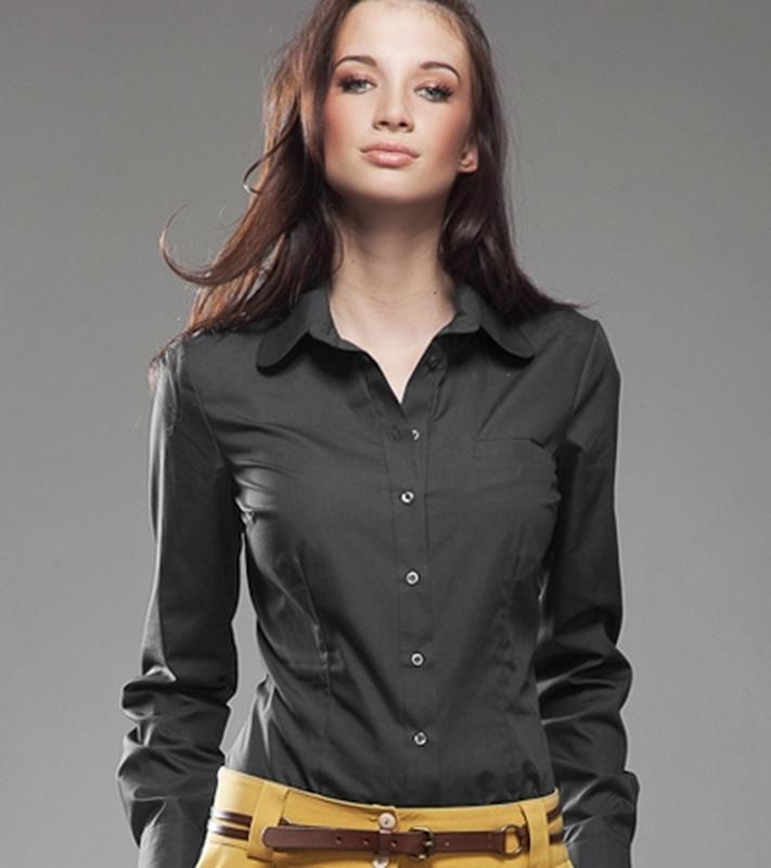 Черная классическая приталенная рубашка с воротником с длинным... - Фото 2