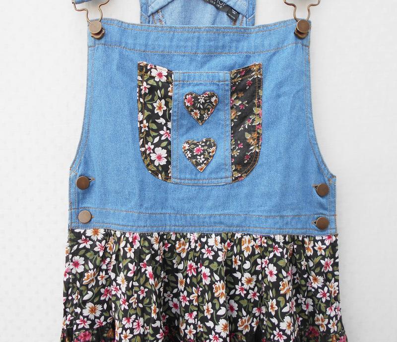 Летнее джинсовое платье - комбинезон с цветочным принтом из ви... - Фото 2