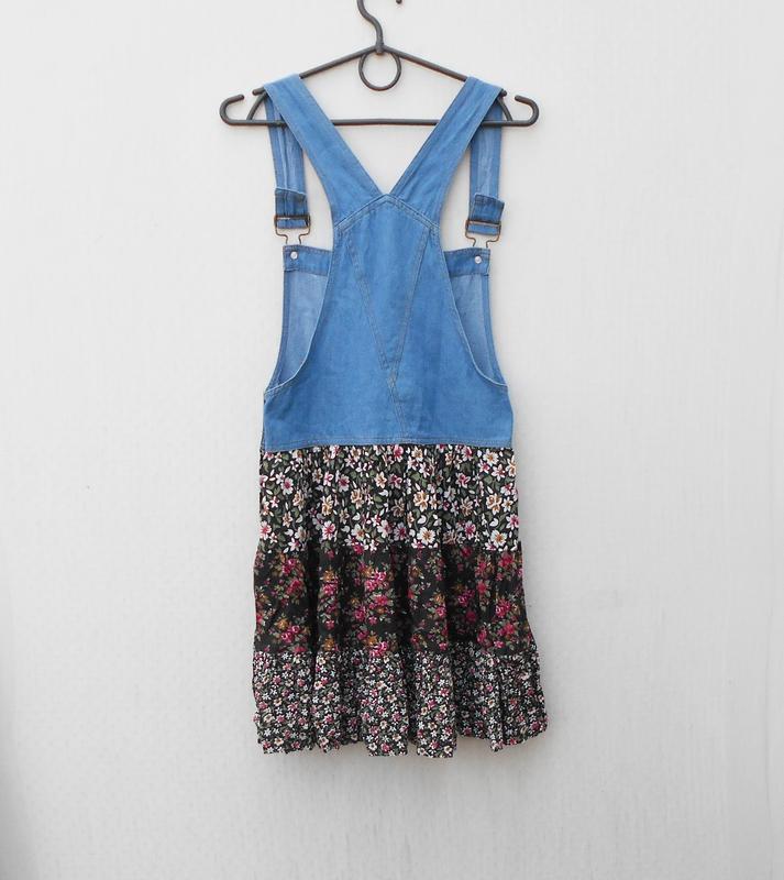Летнее джинсовое платье - комбинезон с цветочным принтом из ви... - Фото 4