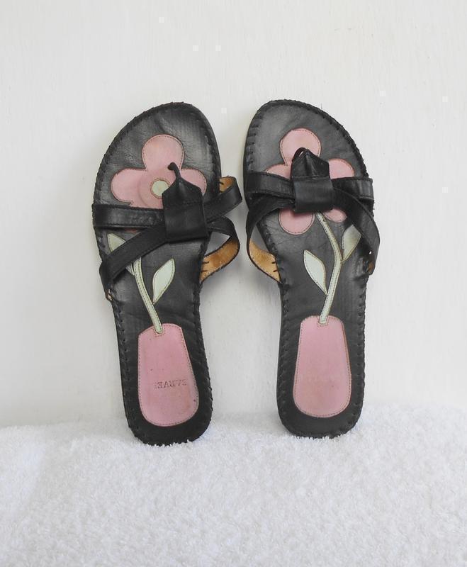 Черные кожаные женские шлепанцы сандалии вьетнамки 🌿 - Фото 3