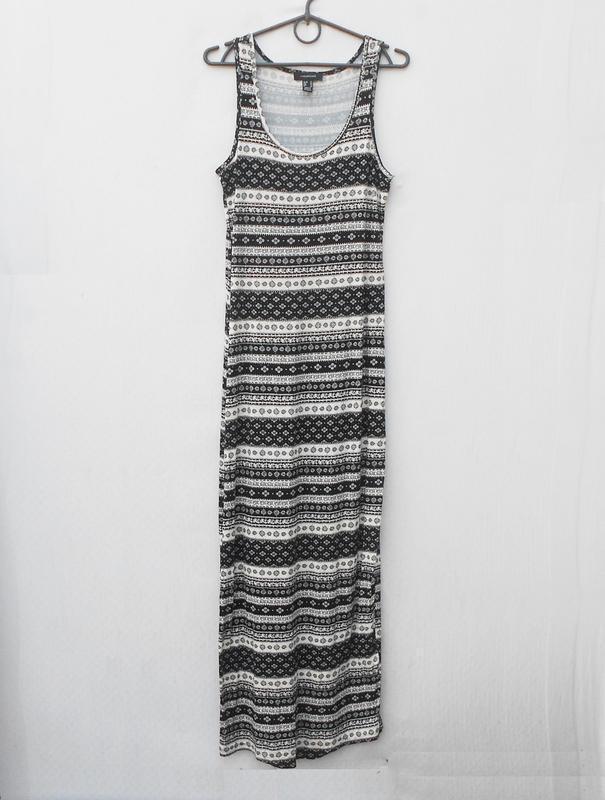Летнее трикотажное облегающее платье из вискозы в пол