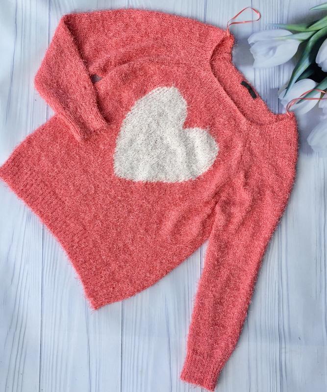 """Симпатичный пушистый свитер """"сердце ''"""