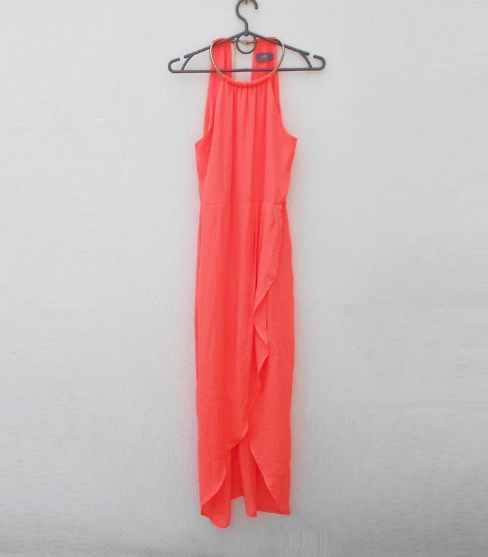 Яркое нарядное коралловое платье на молнии 🌿