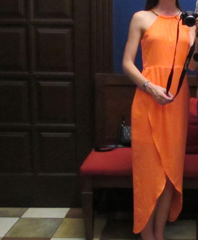 Яркое нарядное коралловое платье на молнии 🌿 - Фото 2