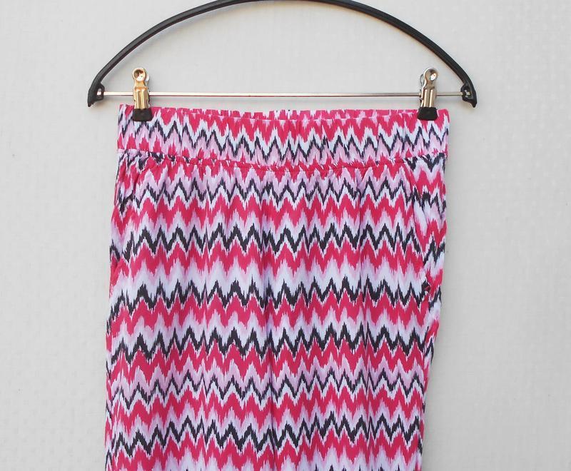 Летние легкие штанишки из вискозы с орнаментом на резинке 🌿 - Фото 4