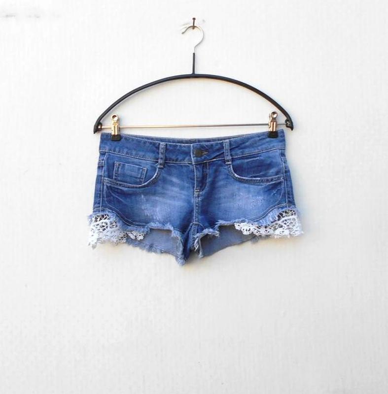 Модные синие потертые джинсовые шорты с кружевом 🌿