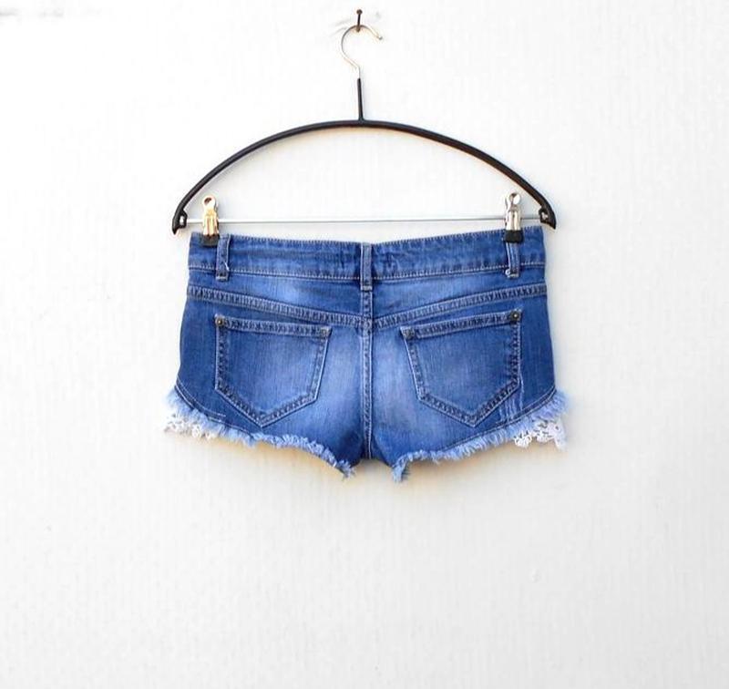 Модные синие потертые джинсовые шорты с кружевом 🌿 - Фото 5