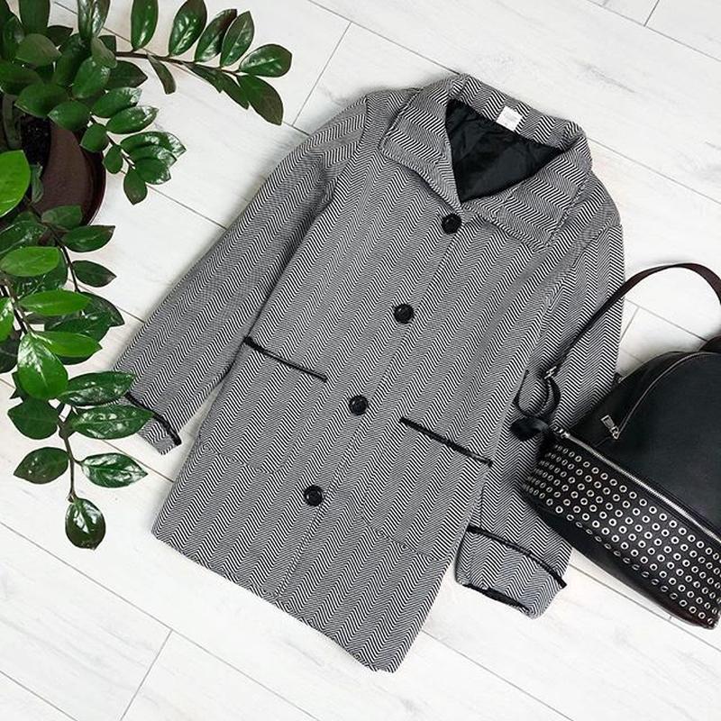 Брендовое флисовое легкое пальто с кожаными вставками и карман... - Фото 2