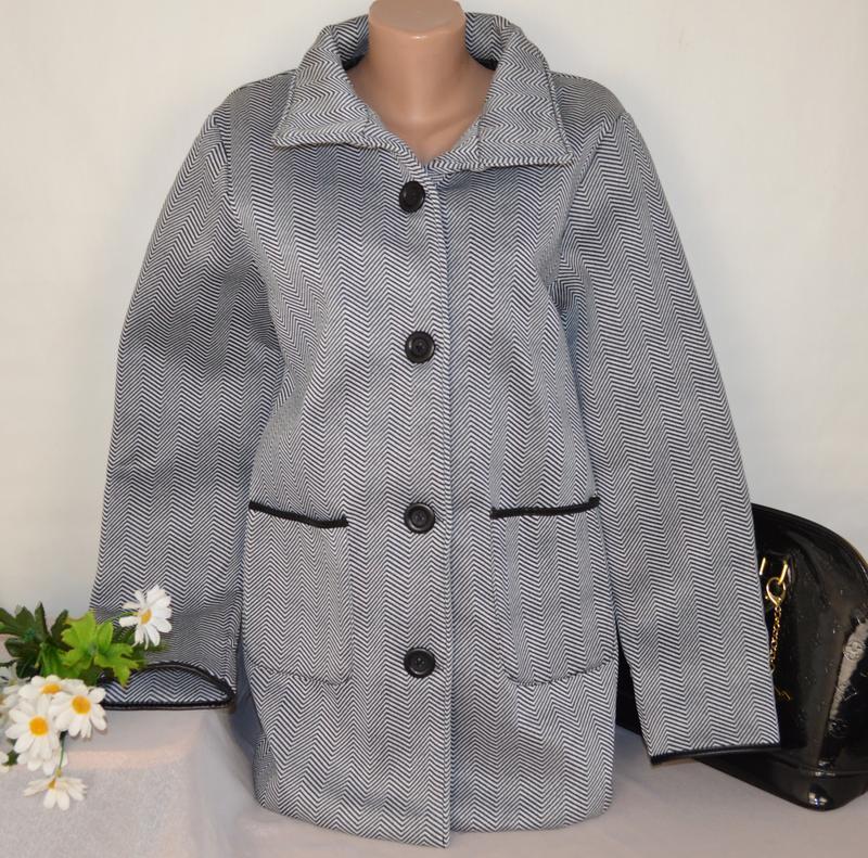 Брендовое флисовое легкое пальто с кожаными вставками и карман... - Фото 3