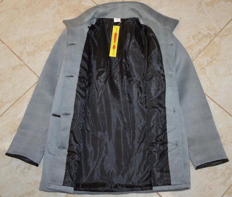 Брендовое флисовое легкое пальто с кожаными вставками и карман... - Фото 7