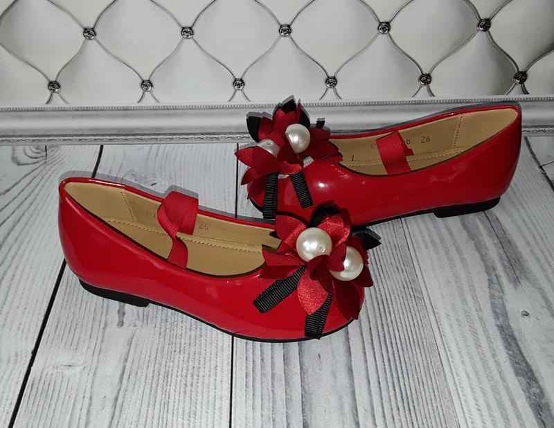 Туфли девочке, нарядные туфли, красные туфли