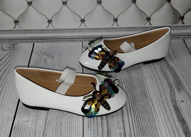 Белые лакированные туфли, нарядные туфли девочке