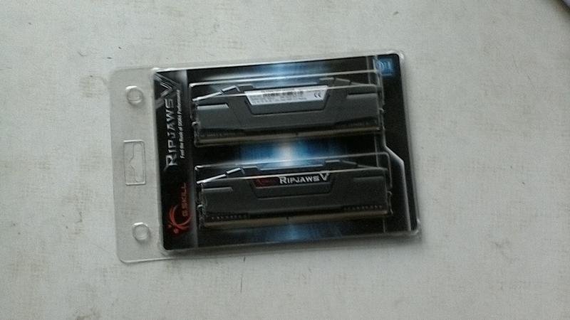 G.Skill 16 GB (2x8GB) DDR4 3200 MHz Ripjaws V Classic