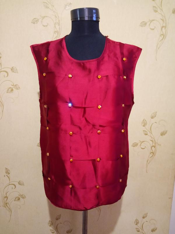 Нарядная блуза с камнями цвет бордо lofty manner