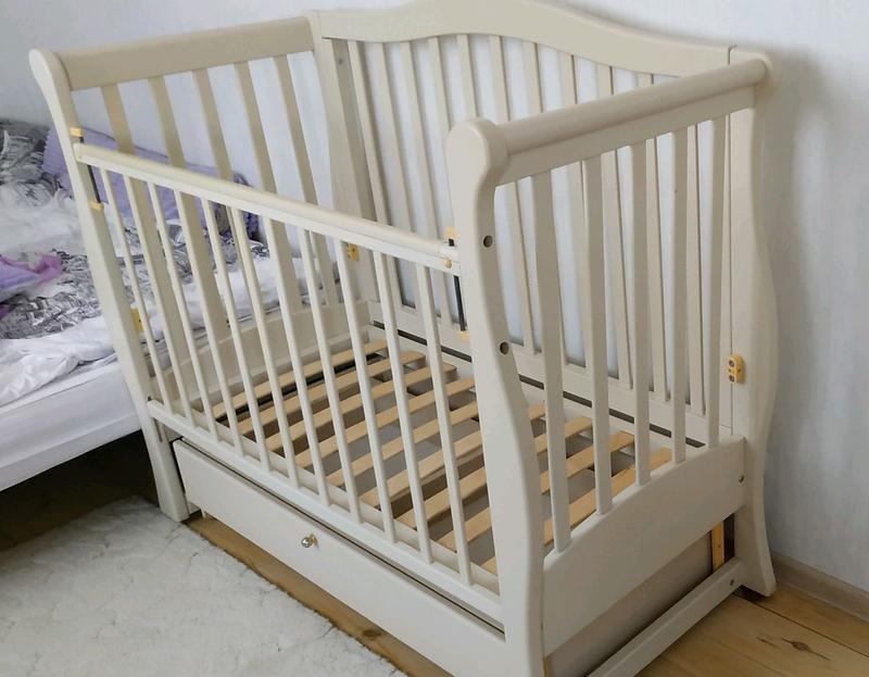 Продам детскую кроватку Ласка в идеальном состоянии на маятнике - Фото 2