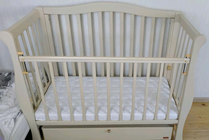 Продам детскую кроватку Ласка в идеальном состоянии на маятнике - Фото 4