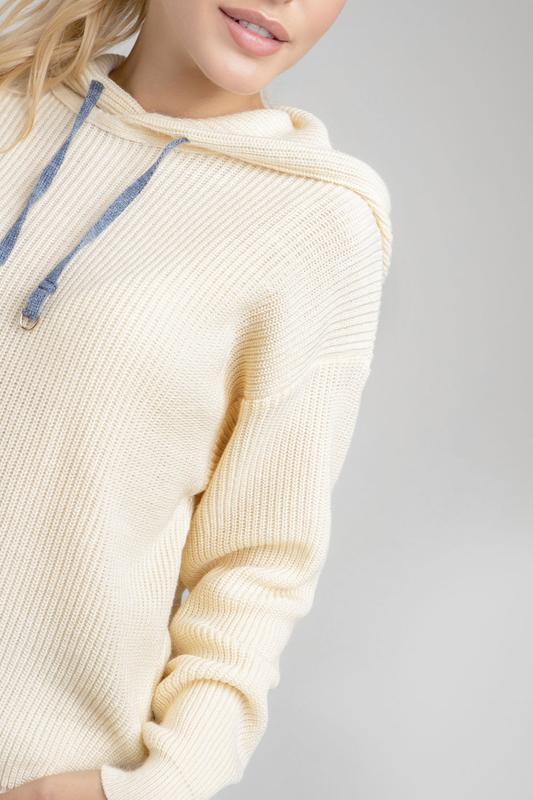 Вязаный спортивный джемпер-худи с капюшоном цвета экрю 2017 - Фото 4